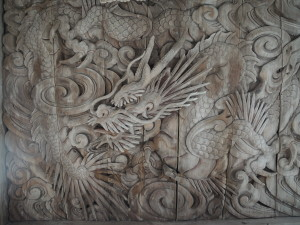 拝殿向拝天井の龍