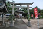 神崎神社より御旅所に向けて出御します