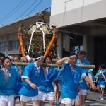 大人神輿は、本港、町内を巡行します